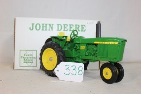 John Deere 2520- Farm Progress Show