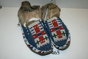Plains Man's Beaded Pair Moccasins