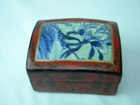 Antique Chinese Porcelain Top Box, Blue And White Porce