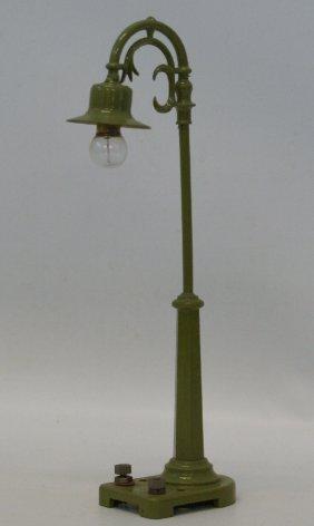 Prewar Lionel O Gauge #58 Gooseneck Green Street Light