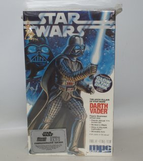 1992 Star Wars Darth Vader Glow In The Dark Amt Mpc