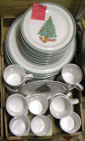 Anchor Hocking Holiday Dinnerware Set