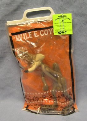 Vintage Wile E. Coyote By Daykin Toy Co.