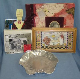 Decorative Pictural Frames & Collectibles