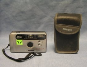 Nikon Funtouch 5 Camera And Case
