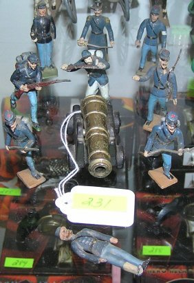 Ten Piece Civil War Soldier And Cannon Group