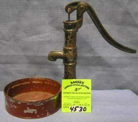 Hand Crank Water Pump And Well Basin Toy