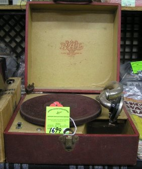 Antique Portable Wind Up Phonograph
