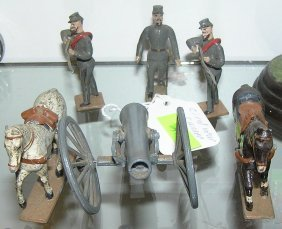 Six Piece Civil War Soldier, Cannon & Horse Set