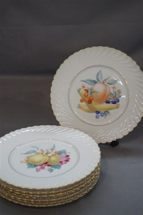 Eight (8) Royal Bayreuth Porcelain Fruit Plates