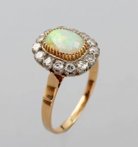 14 kt gold ring with opal and diamonds lot 571