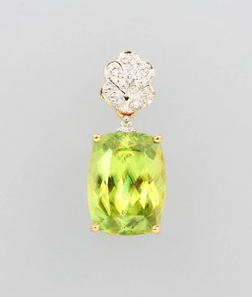18 Kt Gold Pendant With Capelinha Sphene And Diamonds