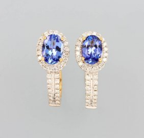 Pair Of 18 Kt Gold Earrings With Tanzanites And