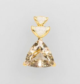 18 Kt Gold Pendant With Love Arrows And Diamonds