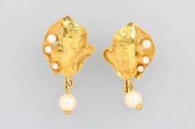 Pair Of Earrings With Cultured Pearls
