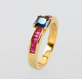 18 Kt Ring With Sapphire And Rubies