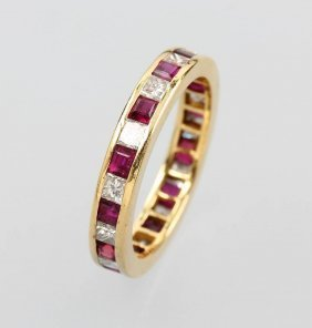 14 Kt Gold Memoryring With Rubies And Diamonds,