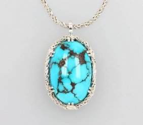 18 Kt Gold Pendant With Turquoise