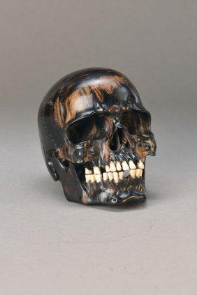 Memento-mori Carving