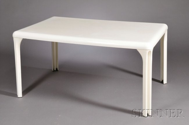 570 vico magistretti dining table molded plastic r