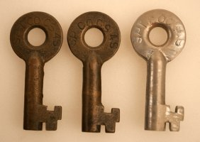 Group Of 3 Southern Pacific Co Railroad Keys