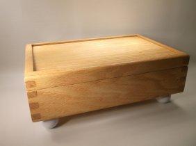 "Beautiful 12"" Oak Dove Tailed Dresser Box"