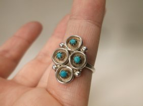 Beautiful Navajo Sterling Silver Turquoise Ring 7