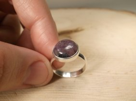 Gorgeous Sterling Genuine Amethyst Ring 7