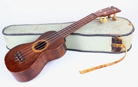 Hawaiian Ukulele, By Ukulele Mfg Co