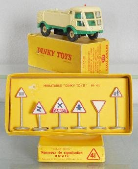 2 FRENCH DINKY TOYS