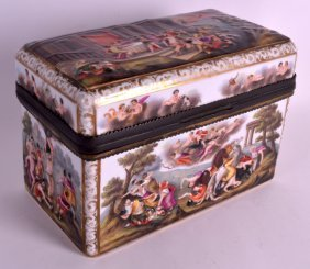 A Good 19th Century Capo Di Monte Porcelain Casket With