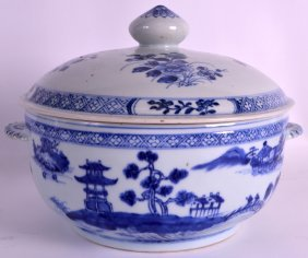 A Good Large Mid 18th Century Chinese Blue And White