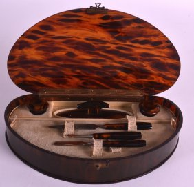 An Art Deco Tortoiseshell Vanity Box Opening To Reveal