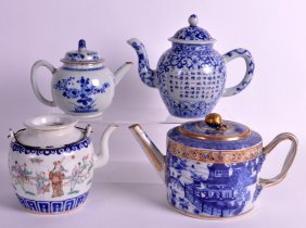 An 18th Century Chinese Export Blue And White Teapot