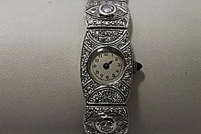 Elegant Antique 18kt White Gold Diamonds Watch