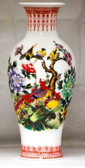 Garden Enchanted W/ Beautiful Detail Chinese Porcelain