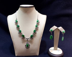 A Natural Jadeite Necklace & Earring Set With 18k Wg