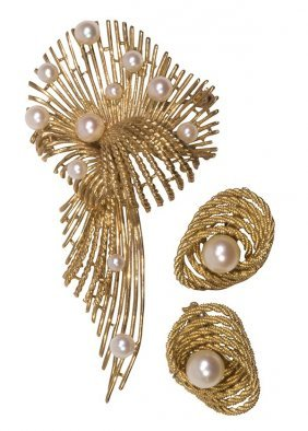 Cultured Pearl And 14k Yellow Gold Jewelry Suite