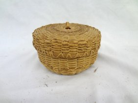 Mohawk Indian Splint And Sweet Grass Basket With Lid