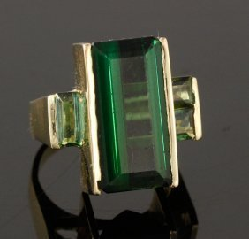 14k Gold And Peridot Ring