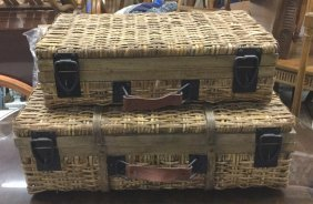 Pair Country Modern Picnic Baskets