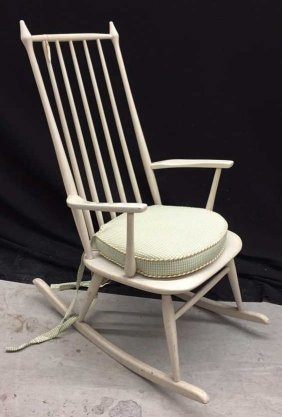 Classic Mid Century Rocking Chair With Arms Clean Style