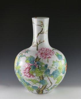 A Famill Rose Vase