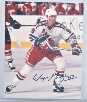 Wayne Gretzky Autographed Official Picture