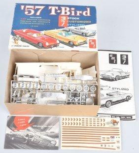 Amt 57 Ford T-bird 3-1 Model Kit