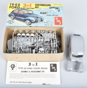 Amt 1940 Ford Deluxe Tudor Sedan 3-1 Model Kit