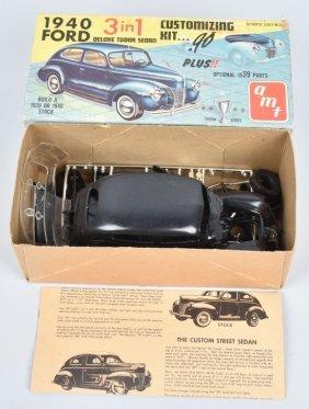 Amt 40 Ford Deluxe Tudor Sedan 3-1 Model Kit