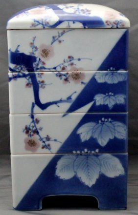 Chinese Porcelain 4 Tier Sweetmeat Box