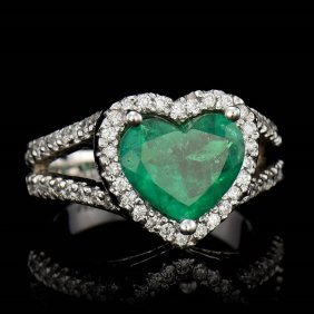 One Natural Emerald Heart Shape Tw:2.15cts