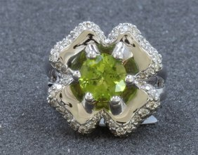 14k White Gold Peridot Ring : 11.72g / Diamond: 0.83ct